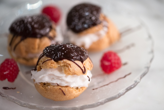 cream puffs with chocolate glaze